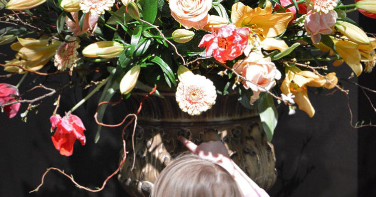 blomsterarrangenmang antikmässan Cecilia blogg 130215