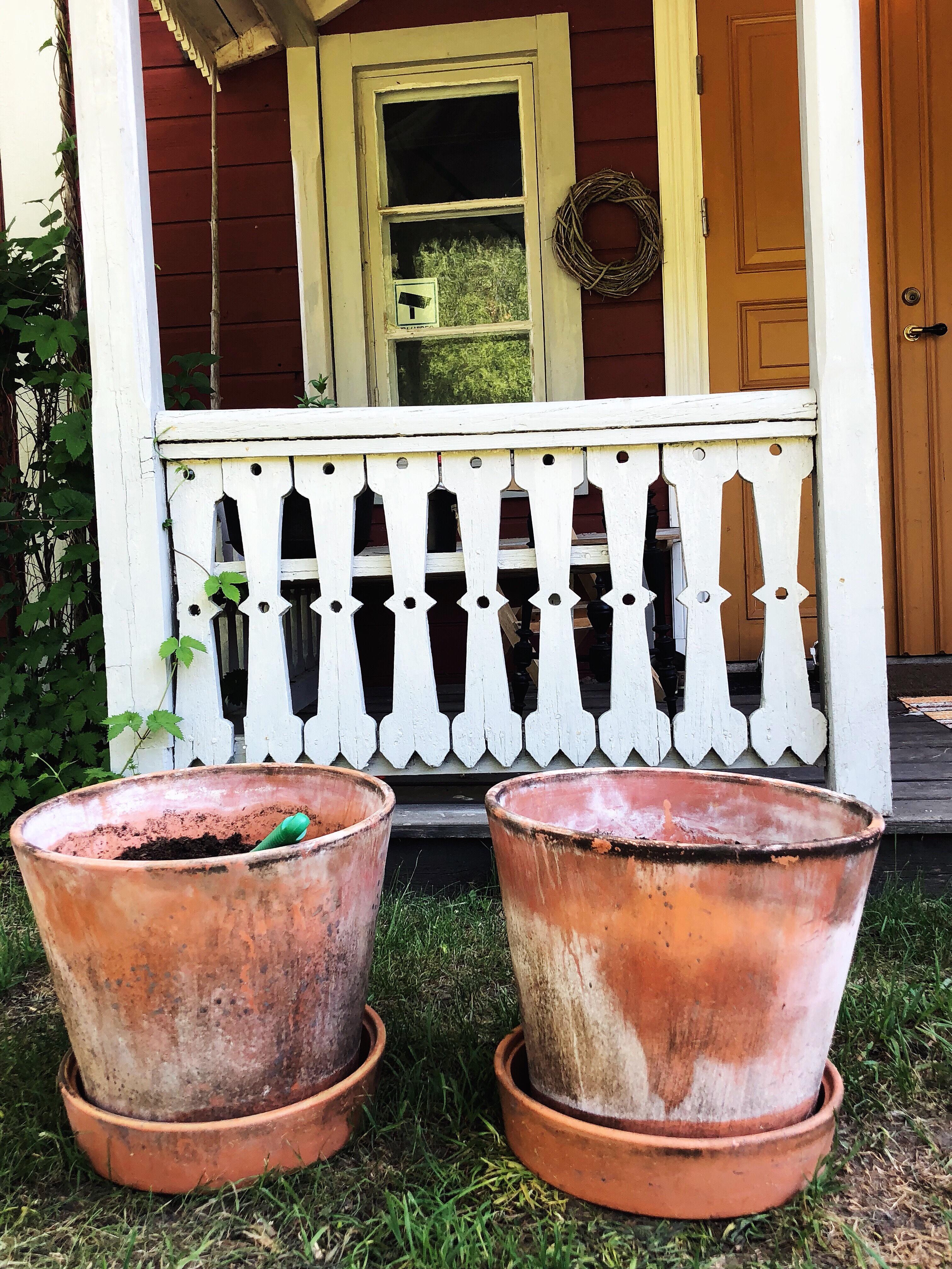 DIY – ge patina till lerkrukor
