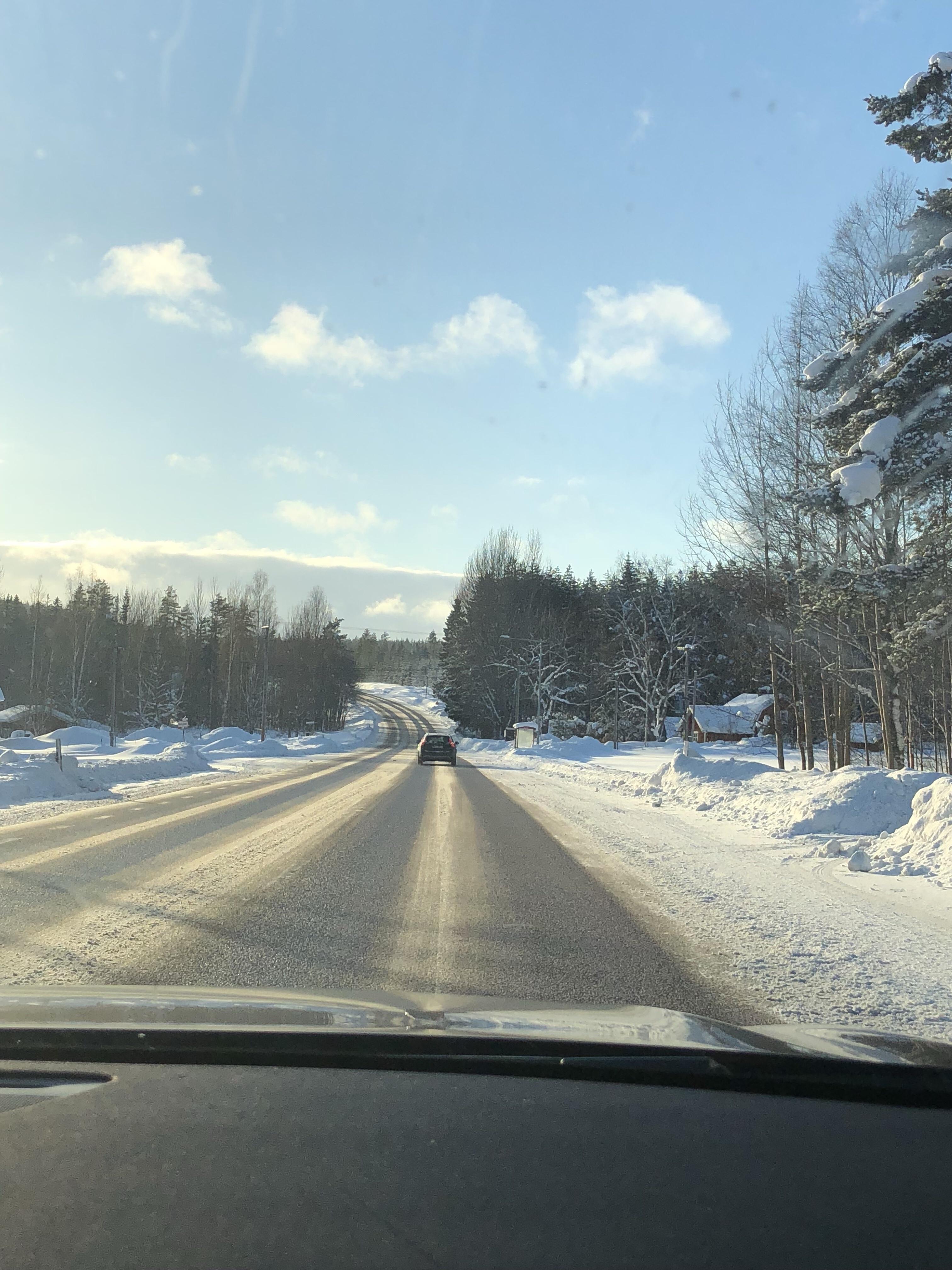 Good morning skiing in March in Dalarna!